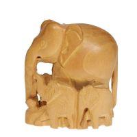 Soška Slon dřevo 10 cm se slůňaty hladký