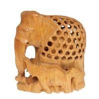Soška Slon dřevo 10 cm se slůňaty prořezávaný Indie