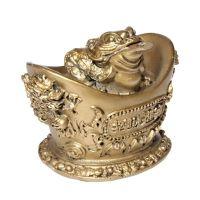 Soška Žába resin třínohá na ingotu 9 cm