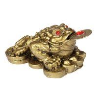 Soška Žába resin třínohá s mincí 4 cm