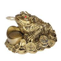 Soška Žába resin třínohá s mincí 7 cm