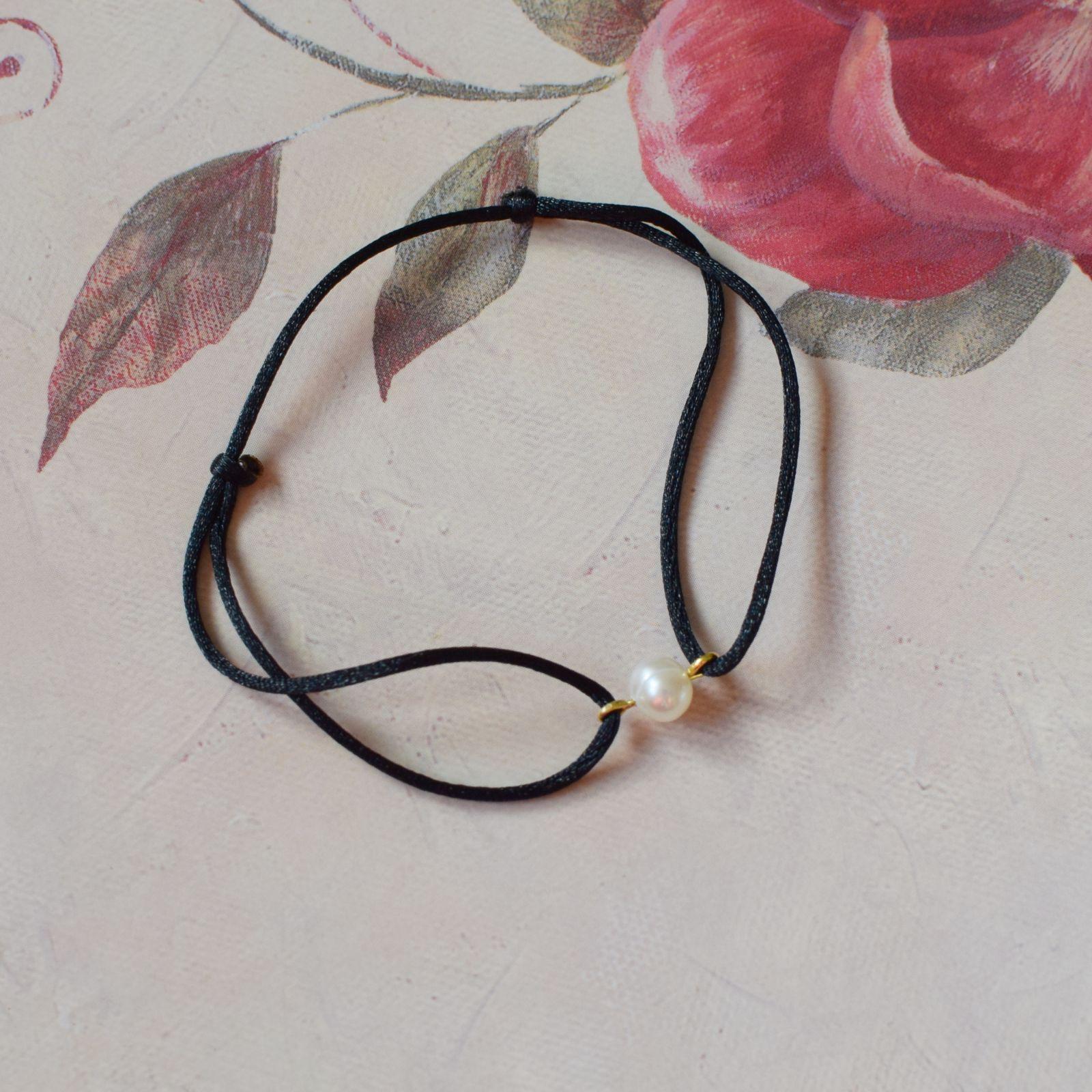 Dámský náramek s říční perlou černý