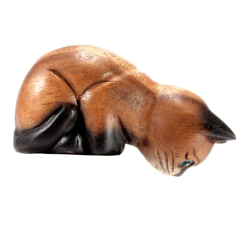 Soška Kočka dřevo hledící dolů 10 cm