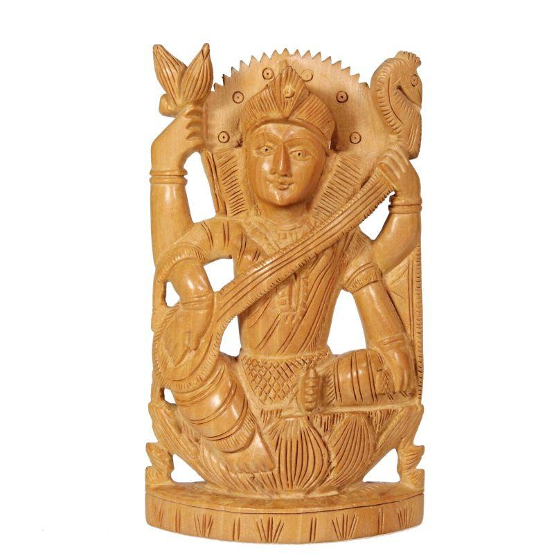 Soška Sarasvatí dřevo 13 cm Indie