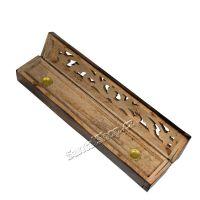 Stojánek na vonné tyčinky - truhlička antique Indie